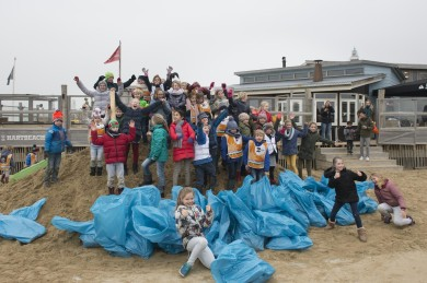 Beach Clean-up Scheveningen LR-18